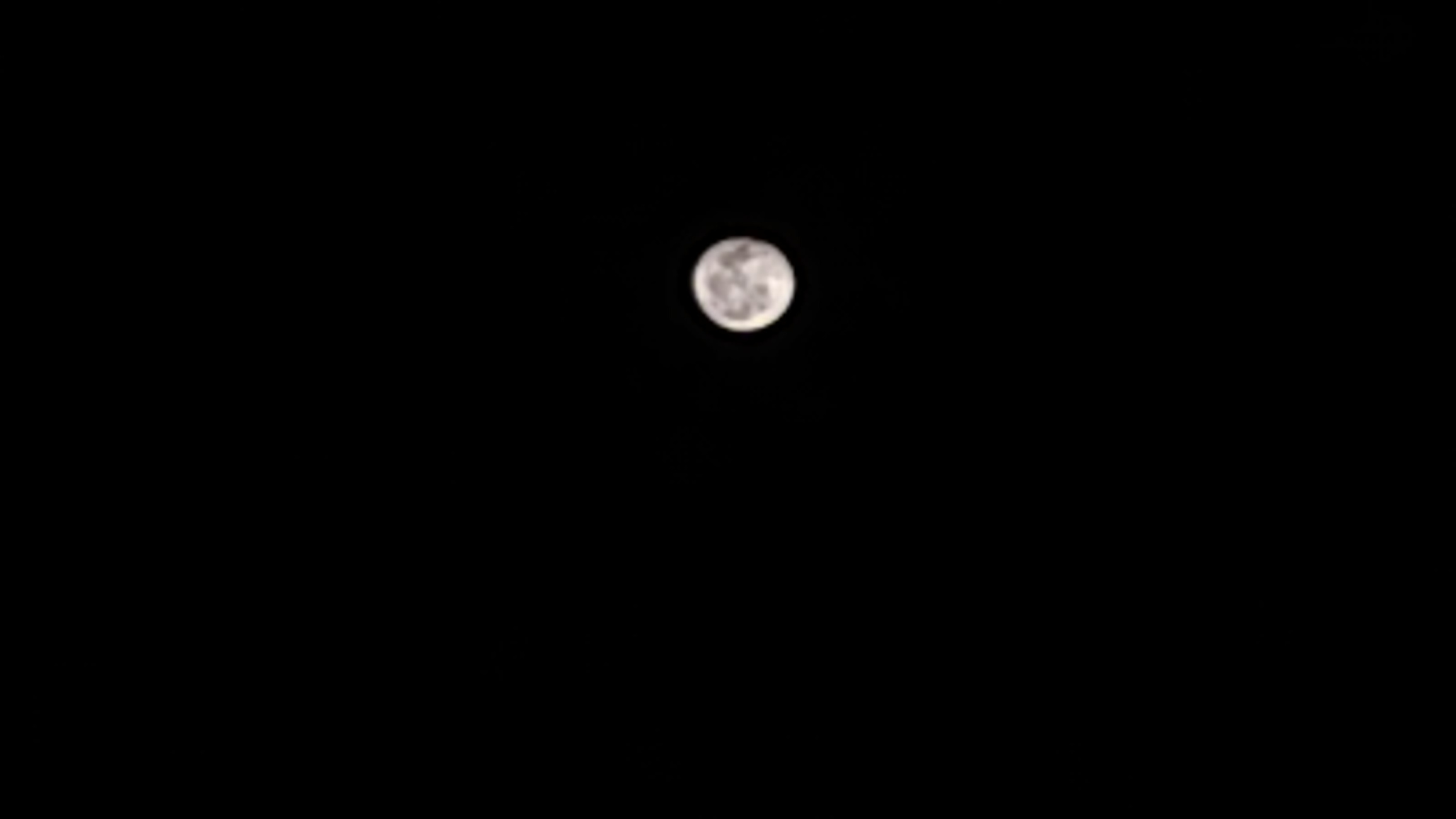 Moon captured in Nokia 7.2
