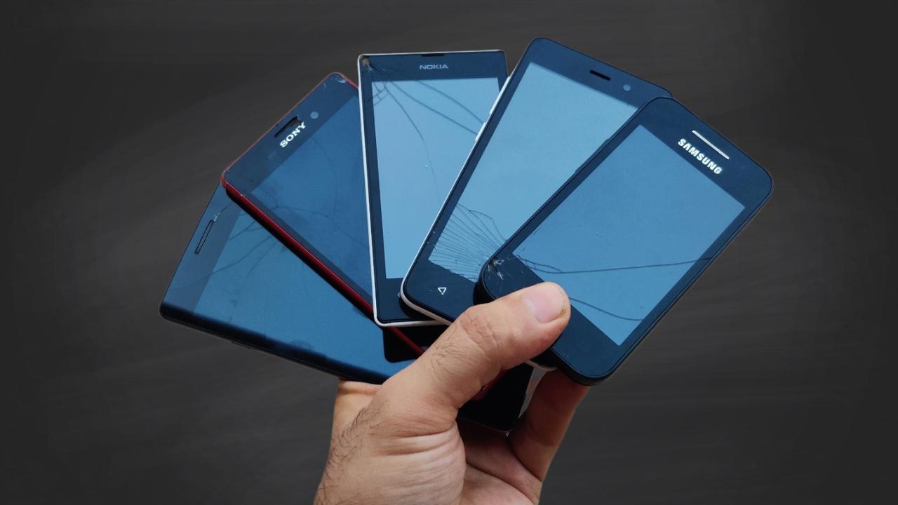 singhnsk - My broken phones.jpeg