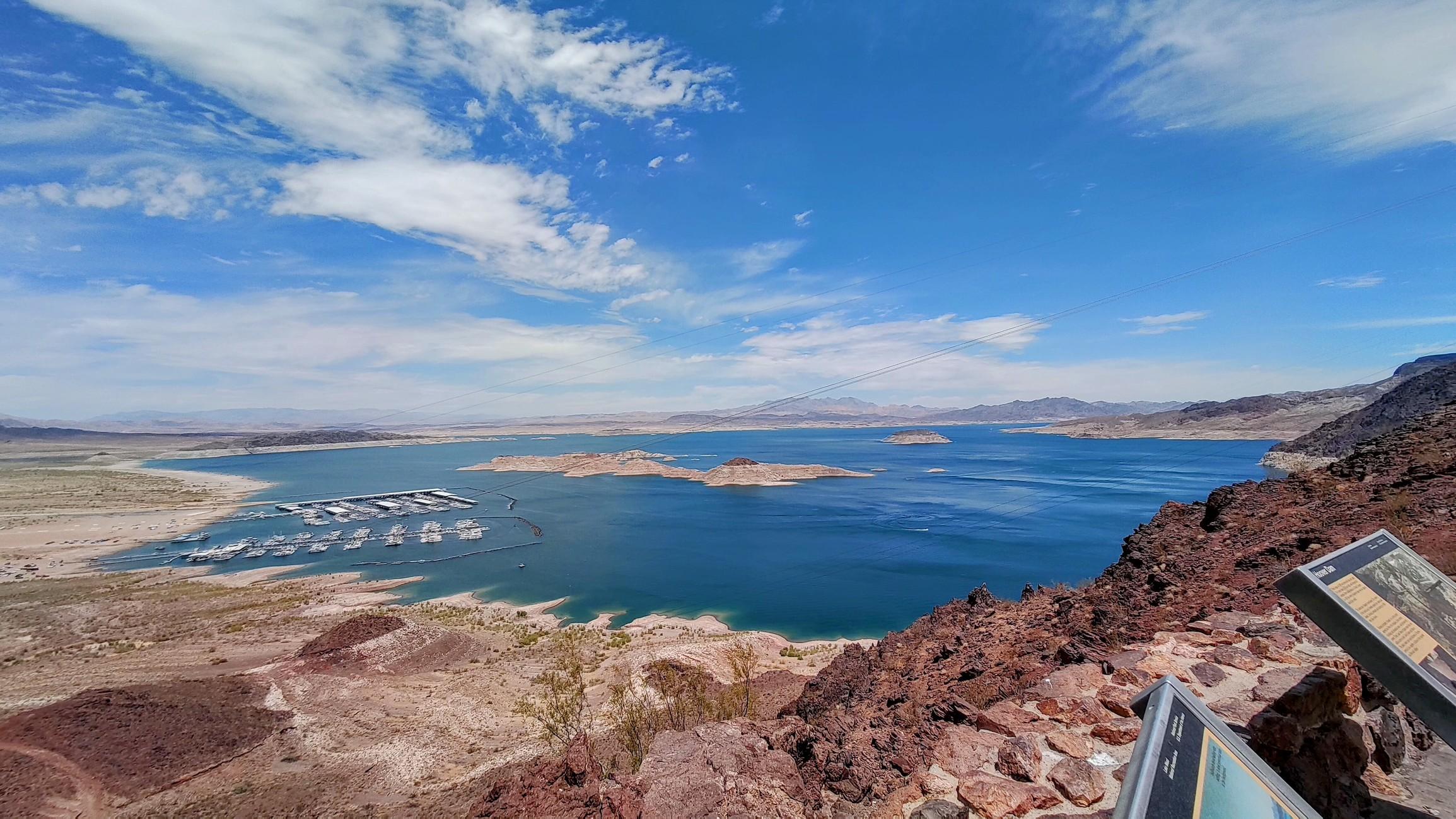 Hoover Dam Lake.jpg
