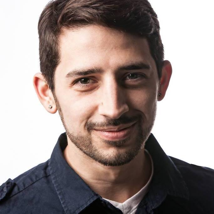 Eric M Oliveira