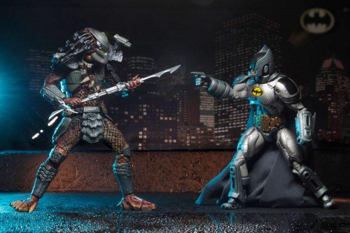 batmanvpredator-figures-rooftop-700x467.jpg