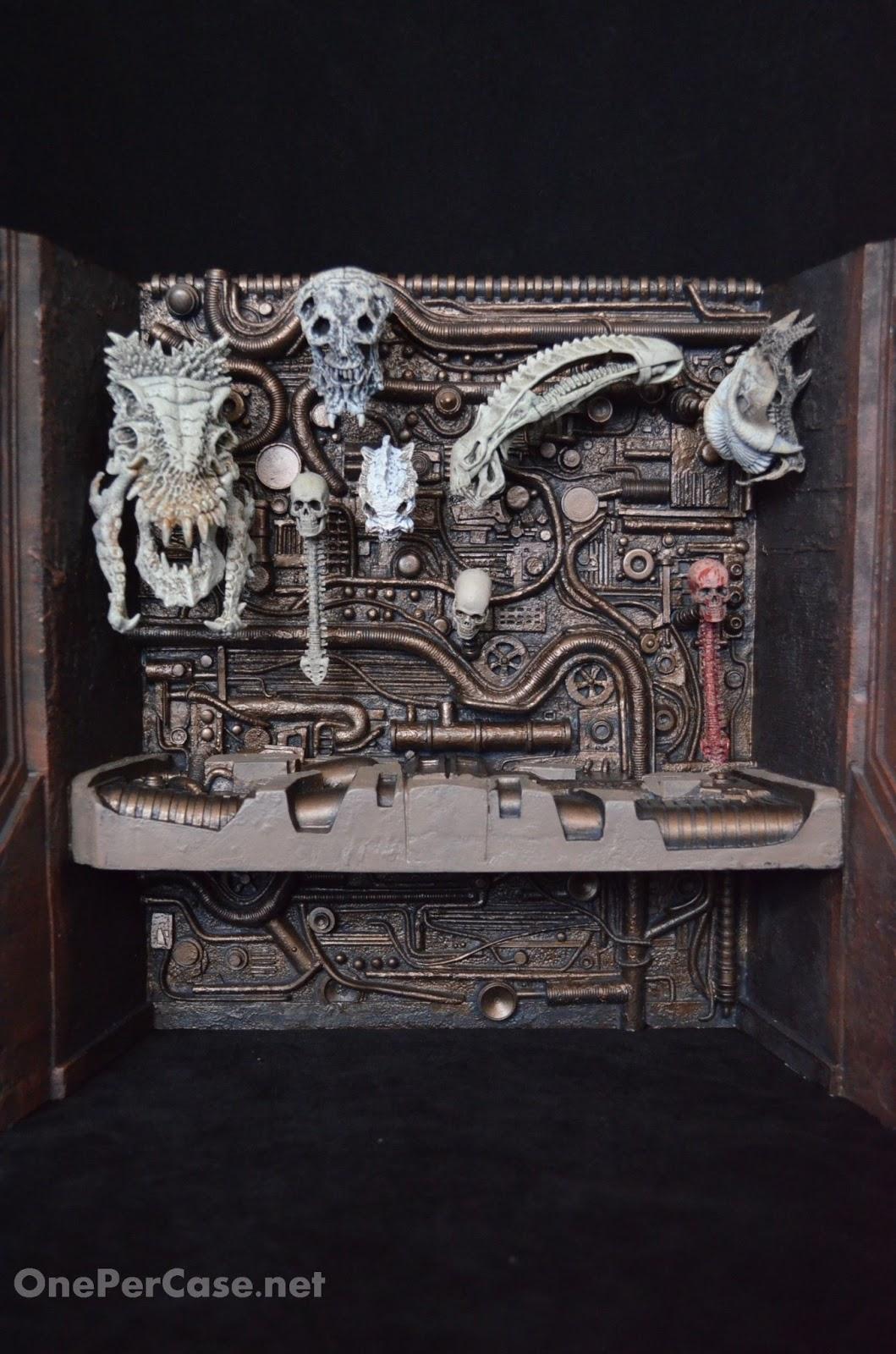 NECA Predator 2 Trophy Skull Wall Action Figure Diorama One Per Case (20).JPG