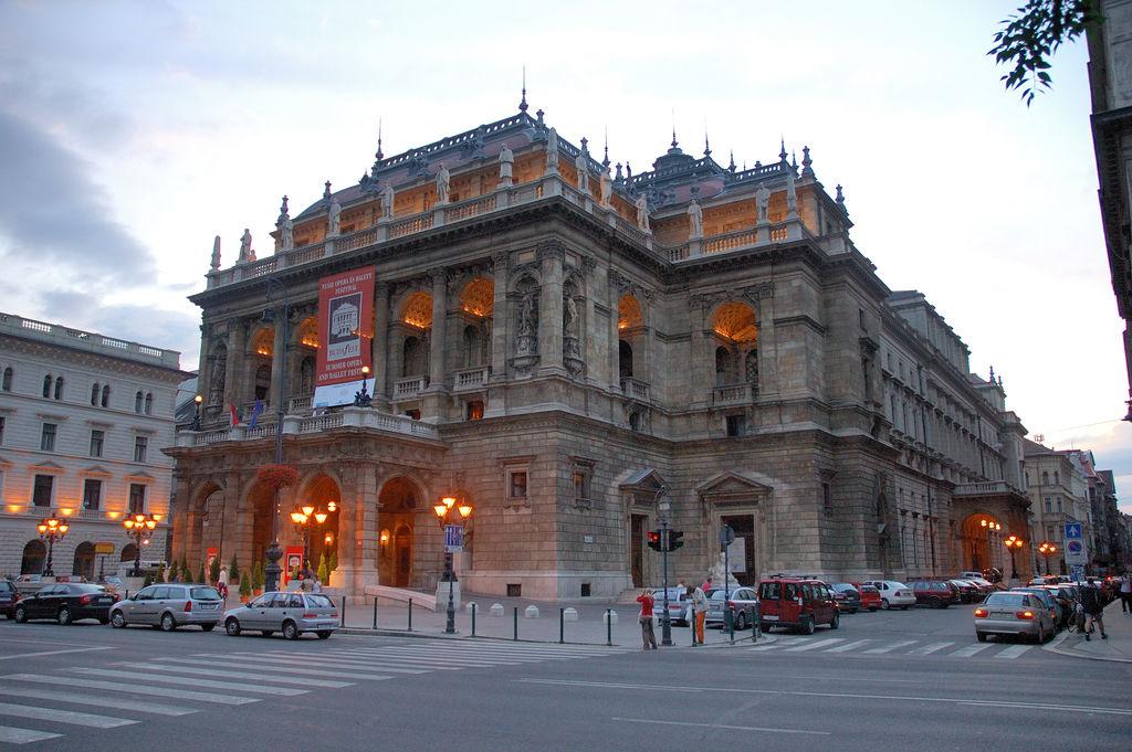 Hungarian_State_Opera_House(PDXdj).jpg