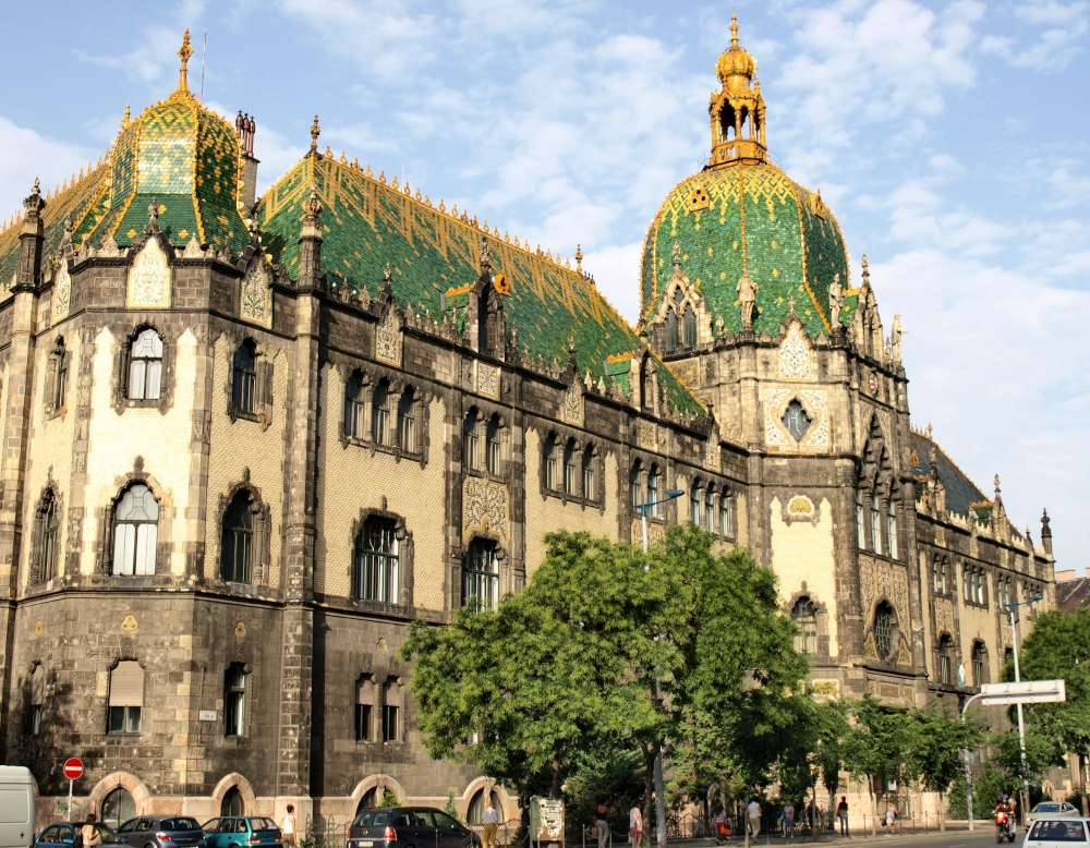 Museum_of_Applied_Arts_(Budapest).jpg