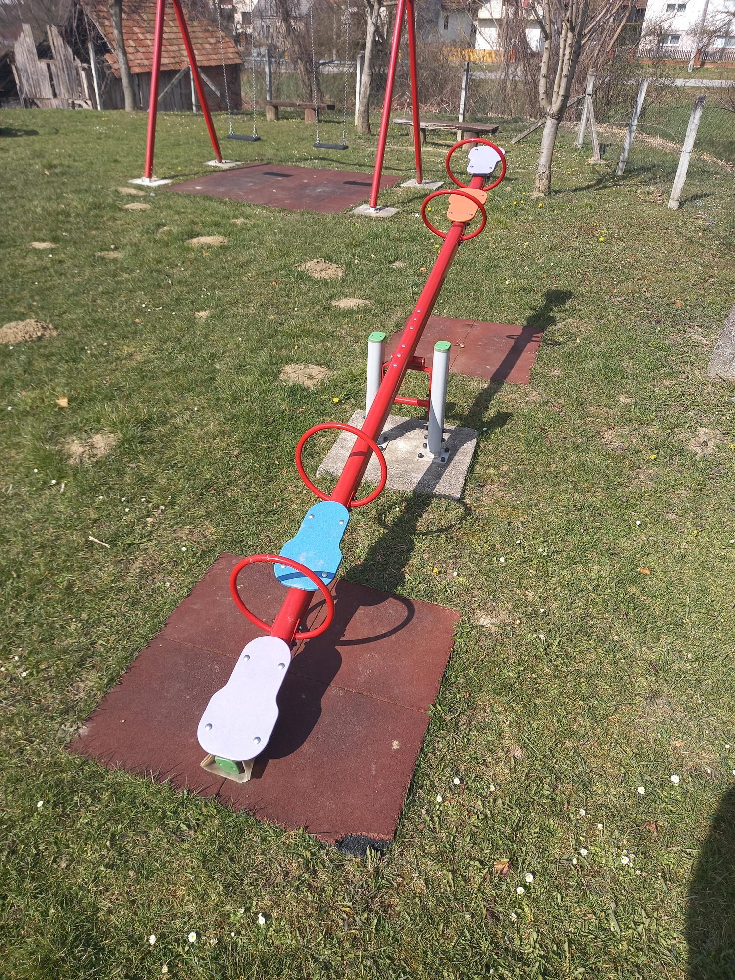 dječje igralište u krugu 1.jpg