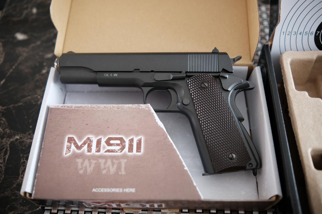 Airsoft pistols 4.JPG